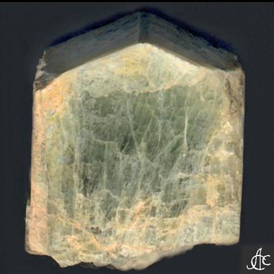 фотография минерала Скаполит