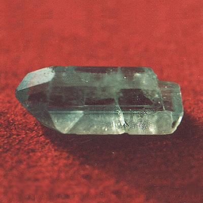 фотография минерала Эвклаз