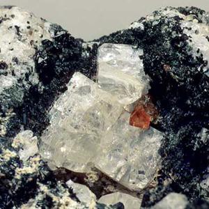 фотография минерала Нефелин