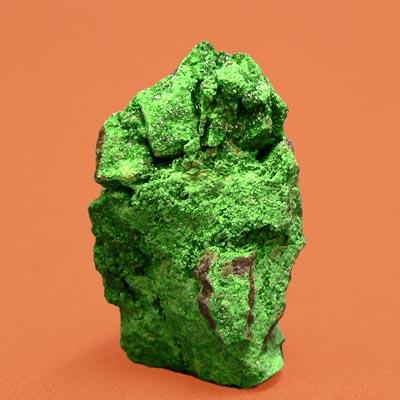 фотография минерала Уваровит