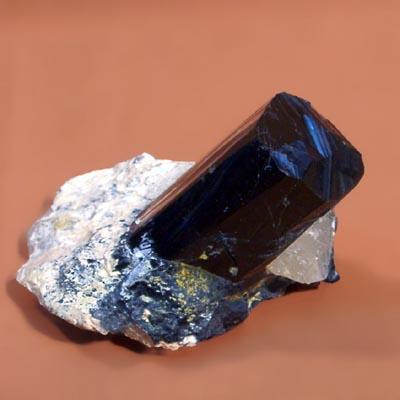 фотография минерала Шерл