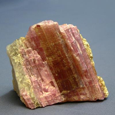 фотография минерала Рубеллит