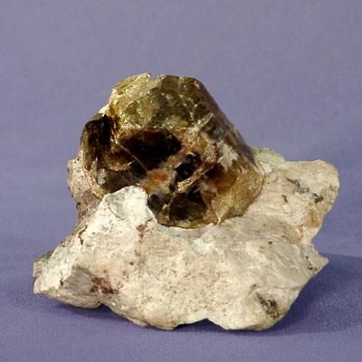 фотография минерала Циркон