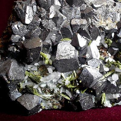 фотография минерала Магнетит