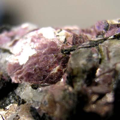 фотография минерала Мурманит