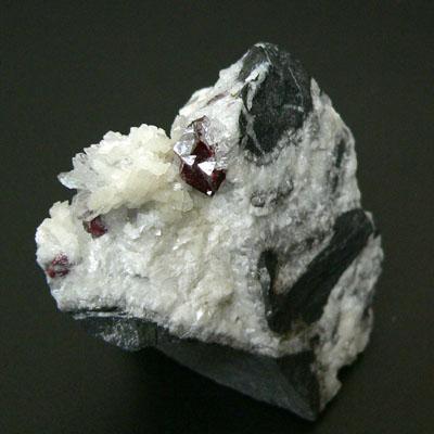 фотография минерала Киноварь