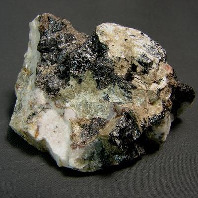 фотография минерала Баритолампрофиллит