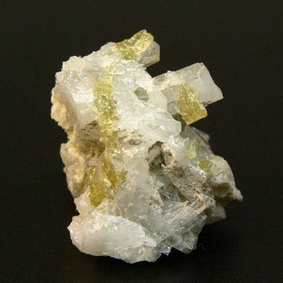 фотография минерала Бурбанкит