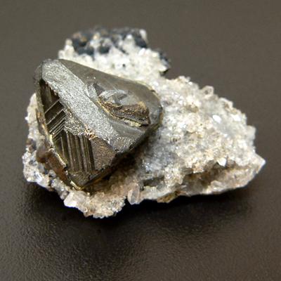 фотография минерала Теннантит