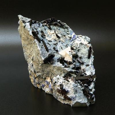 фотография минерала Нептунит