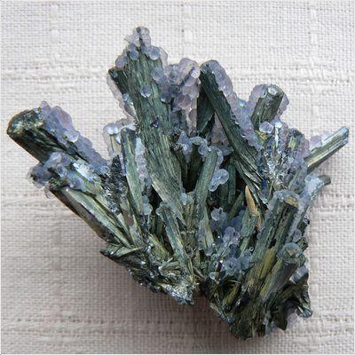 фотография минерала Стибнит
