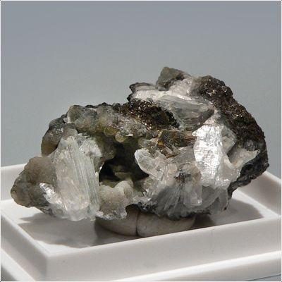 фотография минерала Бобьерит