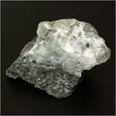 фотография минерала Ломонтит