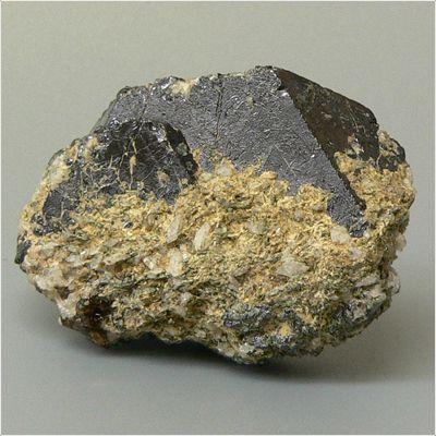 фотография минерала Пирофанит