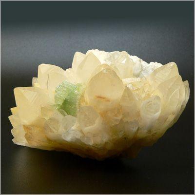 фотография минерала Аугелит