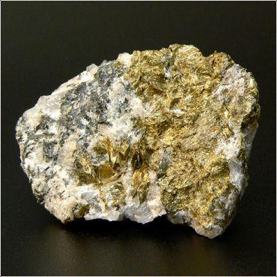 фотография минерала Магнезиоастрофиллит