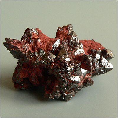 фотография минерала Деклуазит