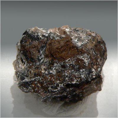 фотография минерала Брандтит