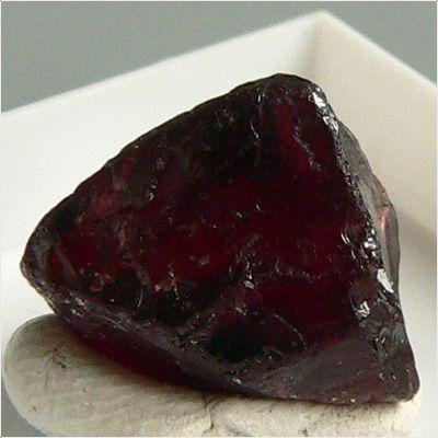 фотография минерала Пироп