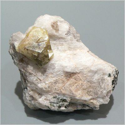 фотография минерала Лондонит