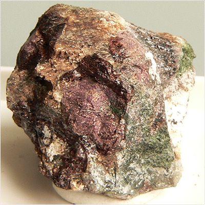 фотография минерала Ловозерит