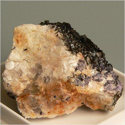 фотография минерала Иттрофлюорит