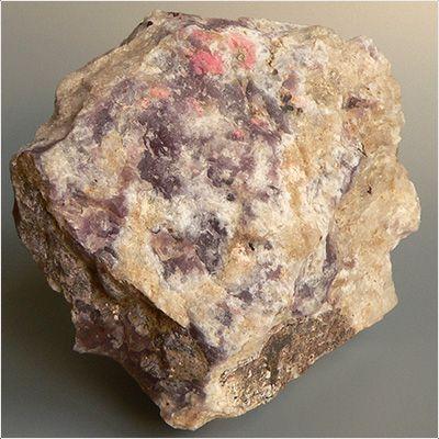 фотография минерала Тугтупит
