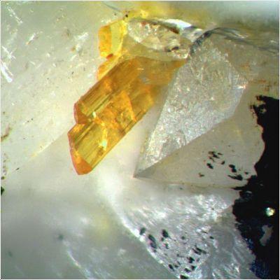 фотография минерала Арденнит-(As)