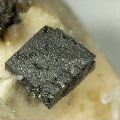 фотография минерала Апуанит
