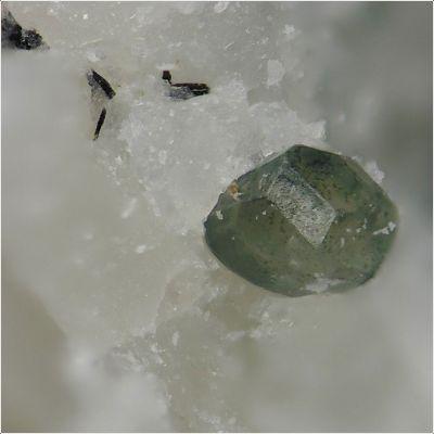 фотография минерала Джасмундит