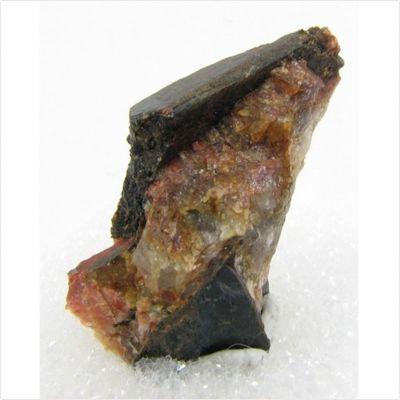 фотография минерала Алланит-(Y)