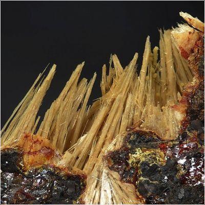 фотография минерала Алланпрингит