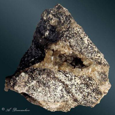 фотография минерала Брюстерит-Sr