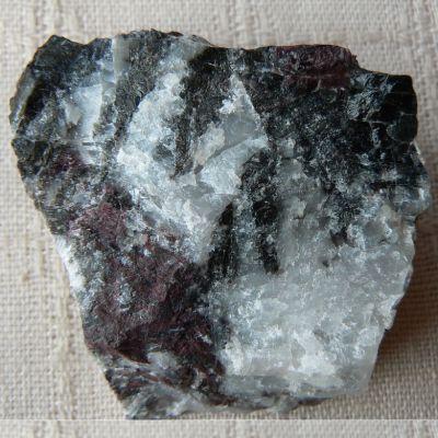 фотография минерала Пьемонтит