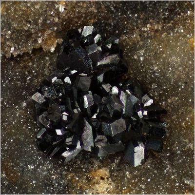 фотография минерала Кентролит