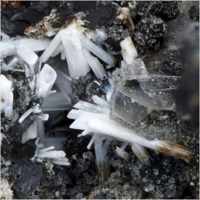 фотография минерала Линдбергит