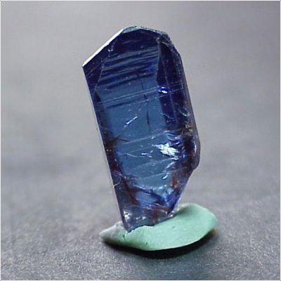 фотография минерала Танзанит