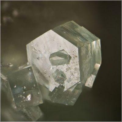 фотография минерала Плюмбоцумит