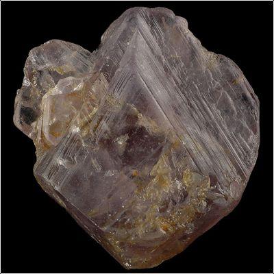 фотография минерала Магнезиотааффеит-6N 3S