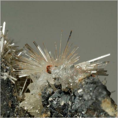 фотография минерала Клебельсбергит