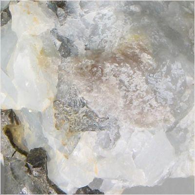 фотография минерала Багдадит