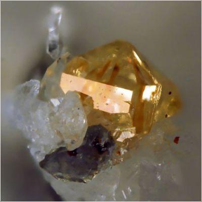 фотография минерала Ксенотим