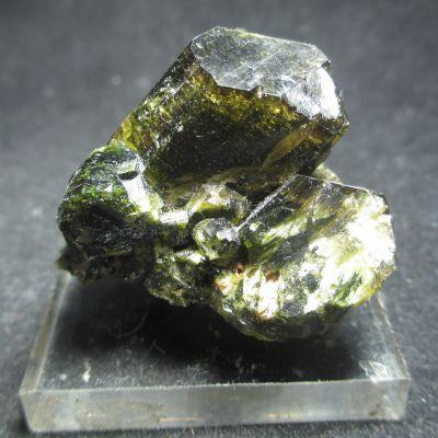 фотография Сросток кристаллов Эпидота