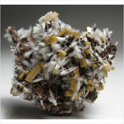фотография минерала Бултфонтейнит