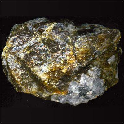фотография минерала Ловчоррит