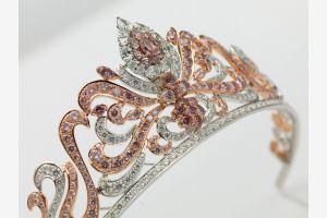 В ноябре на аукцион Сотбис в Женеве будут выставлены исторические драгоценности