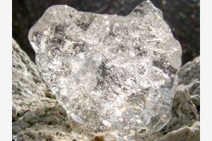 На месторождении Летсенг обнаружен крупный коричневый алмаз