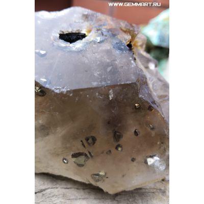 фотография Кристаллы Пририта(?) Халькопирита(?) в дымчатом кварце
