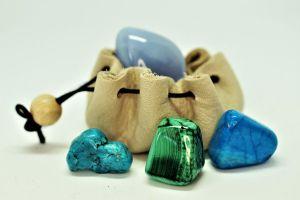 Драгоценные и недрагоценные камни