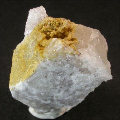 фотография минерала Вудхаузеит